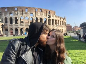 nomad couple in Rome