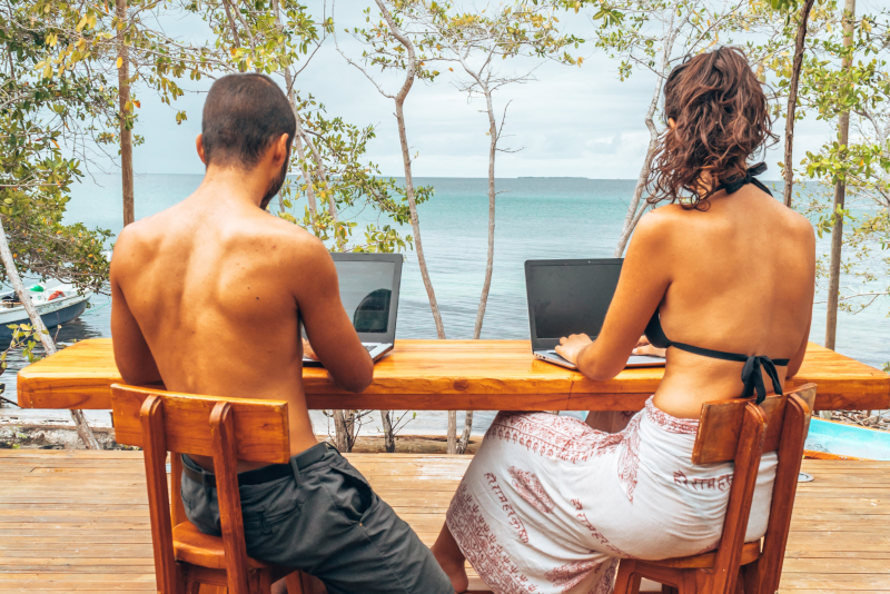 relationship digital nomad couple